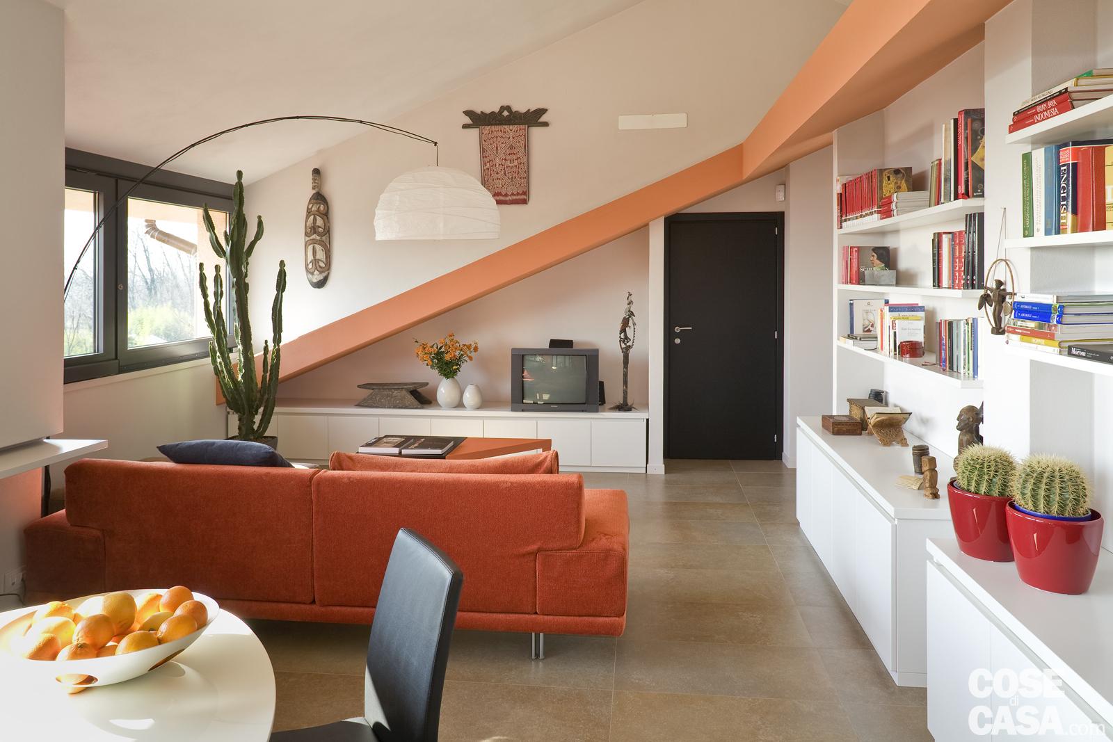 Il fascino di mansarde e sottotetti spazio soluzioni for Foto di mansarde arredate