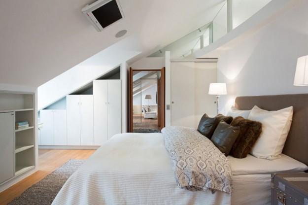 i-mobili-per-la-camera-da-letto nel sottotetto - Mansarde e Sottotetti -