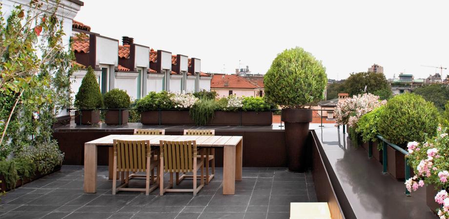 arredo balcone idee outdoor : Terrazza, balcone e ... IDEE OUTDOOR. SPAZIO soluzioni