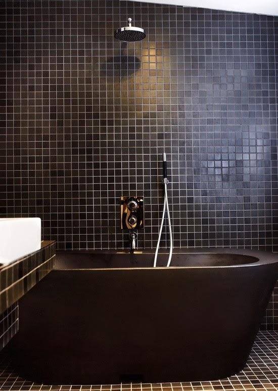 a05e6a8c8a_black-tub-black-tiles