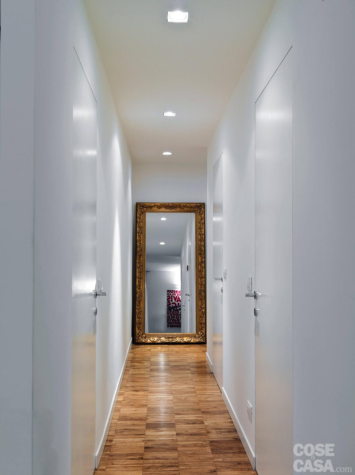 Il corridoio lungo corto largo o stretto spazio - Casa a colori ...
