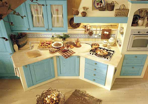 Cucina in muratura classica o moderna spazio soluzioni - Cucine moderne colorate ...