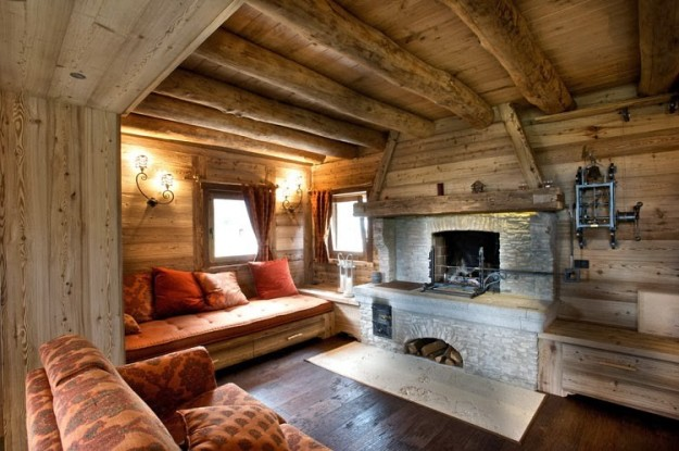 Casa in montagna elegante stile rustico spazio soluzioni for Salotto con camino