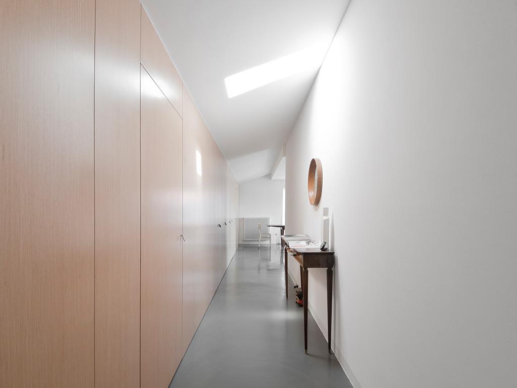 Il corridoio lungo corto largo o stretto spazio soluzioni