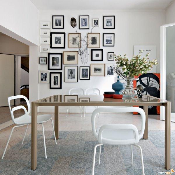 Sedie in materiale plastico spazio soluzioni for Arredamento sedie