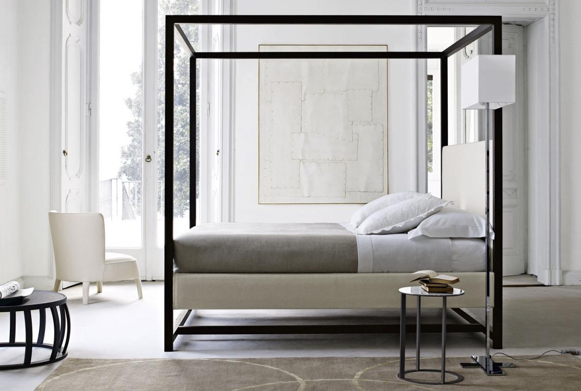 letti a baldacchino una scelta inusuale spazio soluzioni. Black Bedroom Furniture Sets. Home Design Ideas