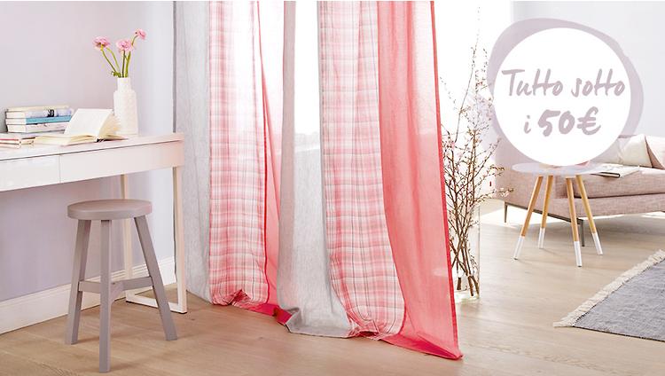 Tende Mania Scegli la tua! Cambiare il volto di una stanza con una tenda. Estetica e grande funzionalità in diversi modelli. Tende da accostare a lato della finestra, oppure da arrotolare sopra di essa con grande semplicità. Tende da sole e tende living, eleganti e discrete.