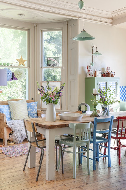 Tavolo Bianco E Sedie Colorate.Sedie Colorate Per Dare Personalita