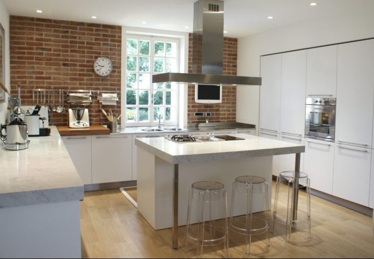 Marmo Interior Design: Cucina con isola. Cucina in marmo con isola ...